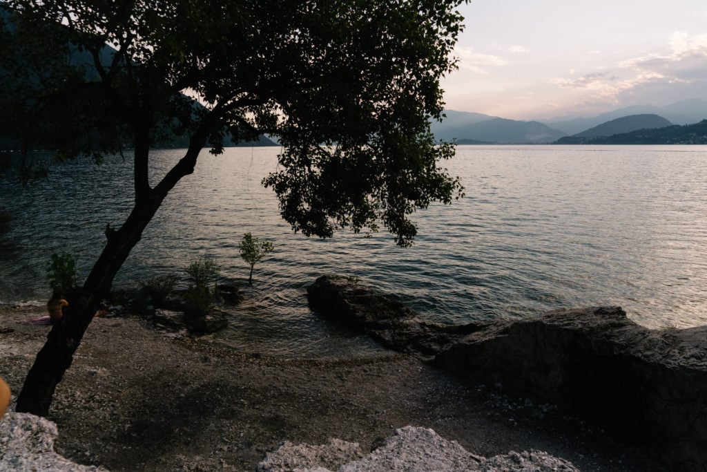 Maternity shooting - View over the Lago Maggiore.