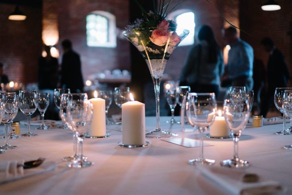Hochzeitsdekorationen für eine rustikale Rittergut-Hochzeit