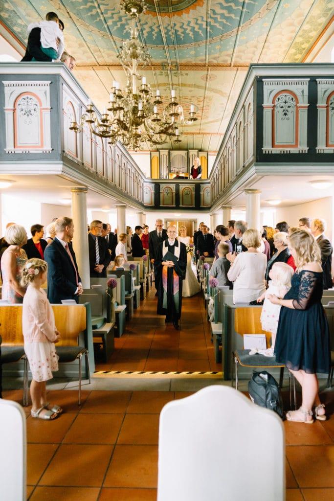 Kirchliche Trauung in der wunderschönen Kirche in Sickte