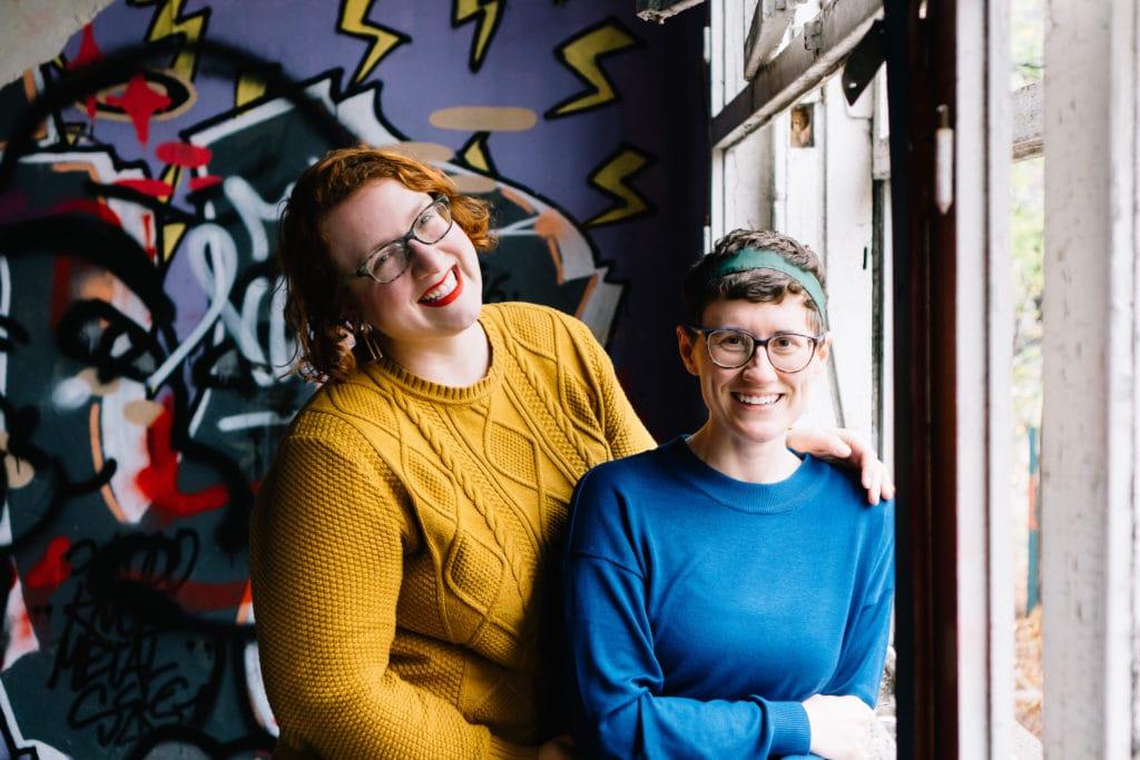 Ashleigh & Susi im ehemaligen Kinderkrankenhaus Weissensee