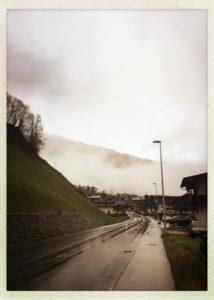 Die einsame Straße durch das Tuxertal.