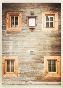 Bei meiner Wanderung durch das Tuxertal fiel mir sofort die tollen Hausfassaden auf.