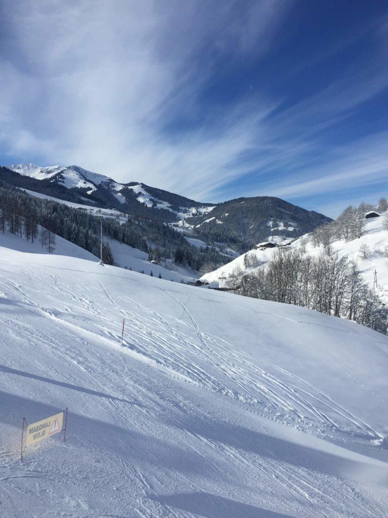 Piste und Berge in Maria Alm Österreich