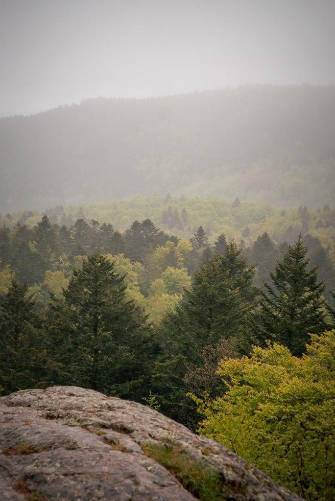Der Ausblickspunkt kurz vor den Geröllfeldern ist einer der schönsten Orte auf der Wanderung für eine Heiratsantrag.