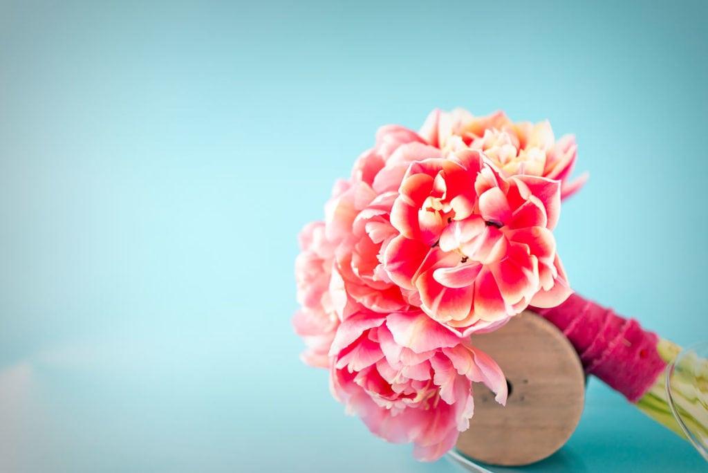Gefüllte Tulpen im Brautstrauß als Alternative zu anderen Blumenarten